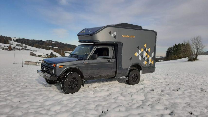 Lada 4×4 Bronto Minicamper, aventura para dos en pequeño formato