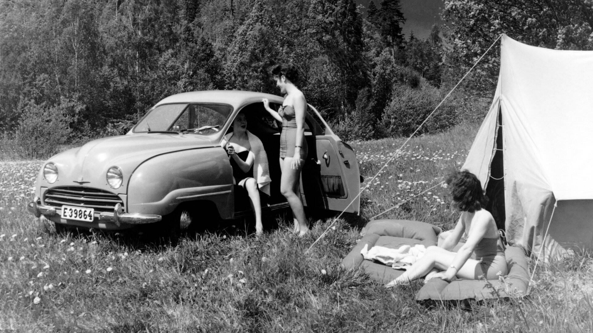 Saab 92 camping