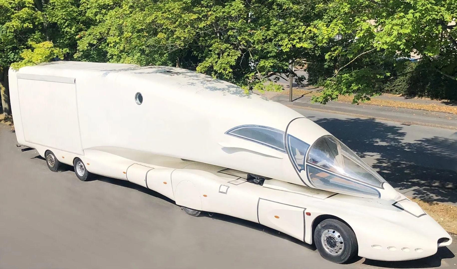 Innotruck, una caravana futurista creada por el genio de Luigi Colani