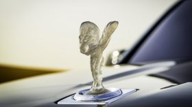 Rolls Royce Cullinan en desierto 02