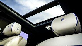 Rolls Royce Cullinan en desierto 04