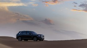 Rolls Royce Cullinan en desierto 13