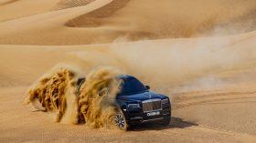 Rolls Royce Cullinan en desierto 19