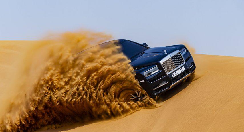 Rolls Royce Cullinan en desierto 20