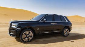 Rolls Royce Cullinan en desierto 23