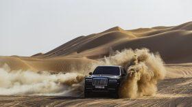 Rolls Royce Cullinan en desierto 24