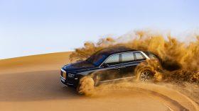 Rolls Royce Cullinan en desierto 25
