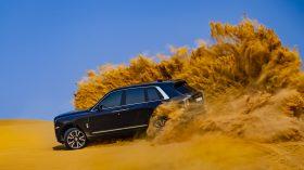 Rolls Royce Cullinan en desierto 29