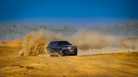 Rolls Royce Cullinan en desierto 31