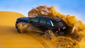 Rolls Royce Cullinan en desierto 33