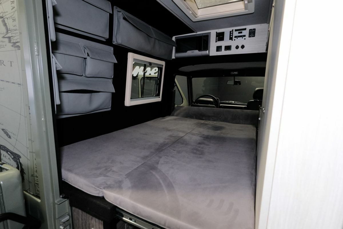 Lorinser Puch G Wagen Camper 12
